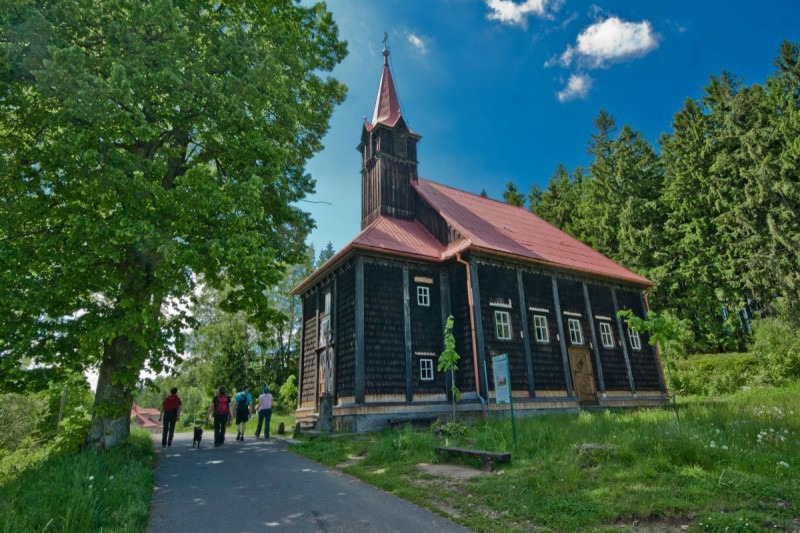 Kostel Panny Marie pomocnice na Gruni
